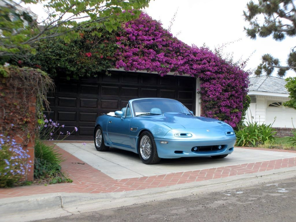 Mazda Miata MX 5 Picture Gallery