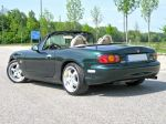 NB_-_2000_Emerald_Green_MX-5_Miracle_Edition_02.jpg