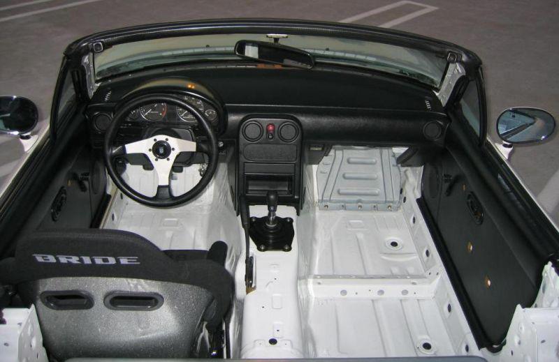Na Cabin Na Gutted Mazda Miata Mx 5 Picture Gallery